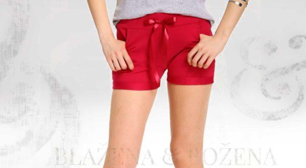 Červené šortky s mašlí