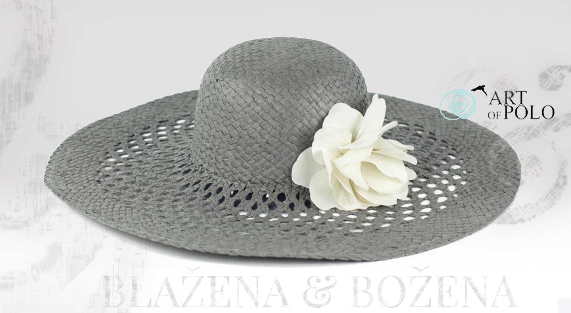 Blažena Božena. královny klobouků. Šedý letní klobouk s květinou c3a5542f11