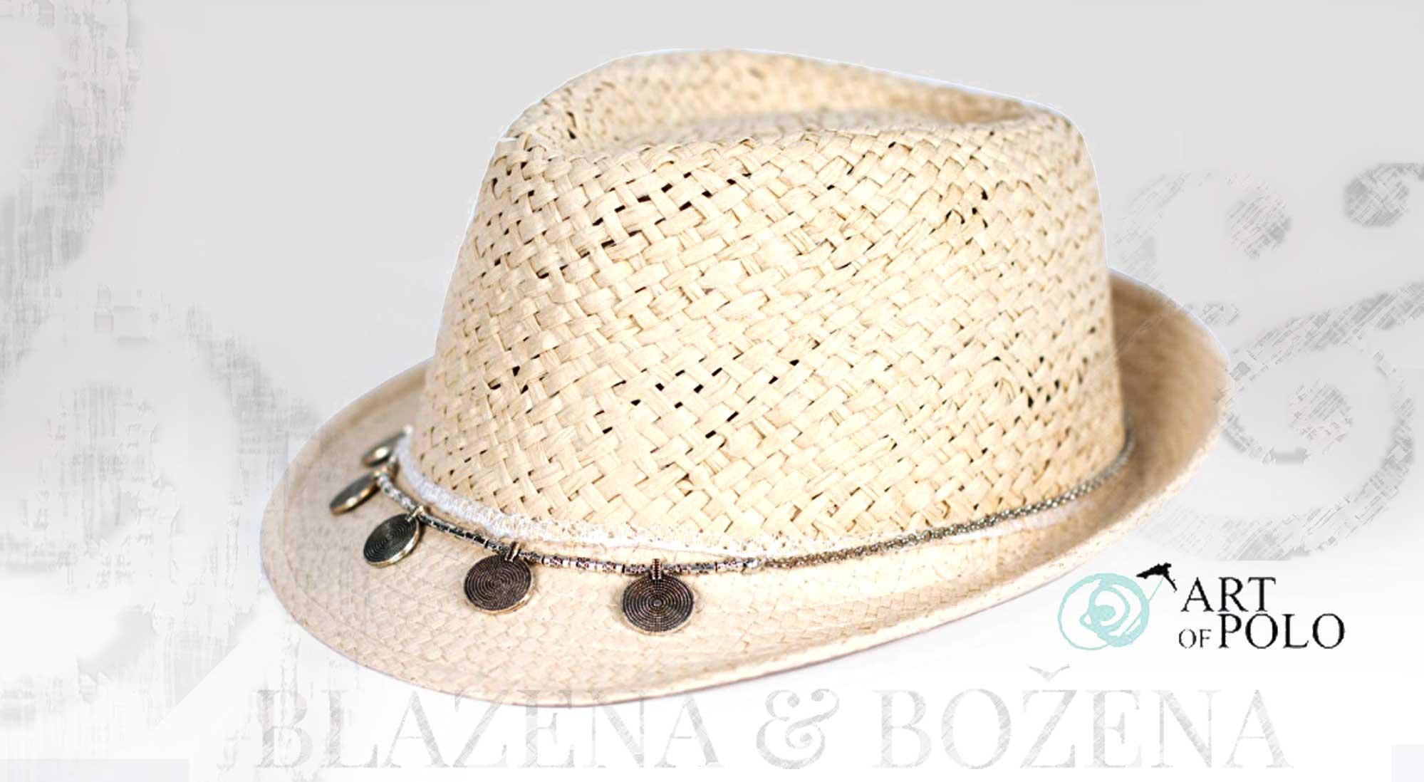Blažena Božena. královny klobouků. Bílý slamák s mincemi 675ef52ed1